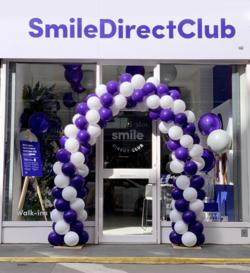 SmileDirectClub Inc logo