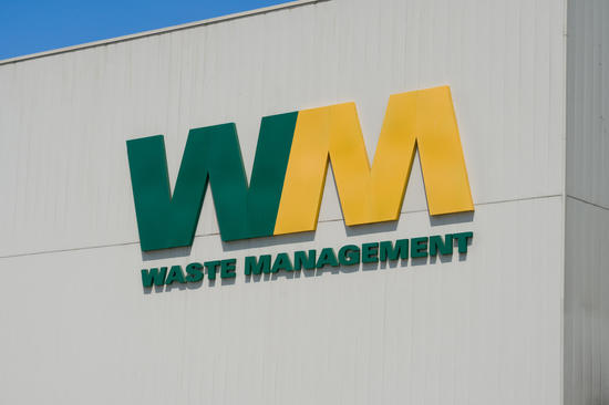 Paul Tudor Jones, Caxton Associates - 2 Gurus Buy Waste Management